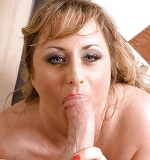 Chubby seductress in police uniform and black pantyhose mounting stiff meat