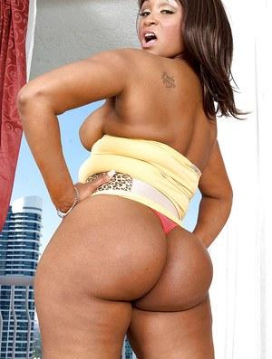 Black bbw girl in tight shorts Kara Kane brings out nice tits and round booty