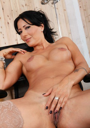 Mature sex teacher in stockings Zoey Holloway pleasing her hot cunt