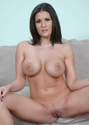 Dazzling MILF Austin Kincaid exposing huge tits and tight butt
