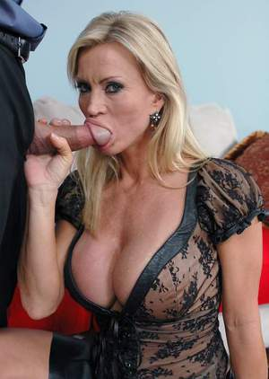 Incredibly hot mom with perfect boobs Amber Lynn fucking hard core