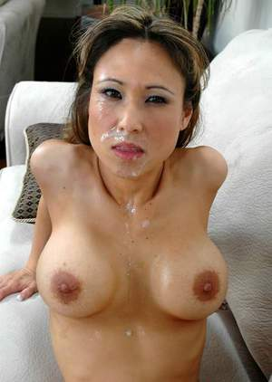 Asian babe Anna Lee gives proper blowjob and gets thick facial cum load