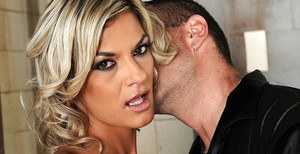 Blindfold Klarisa Leone gives a blowjob and gets harcore anal sex