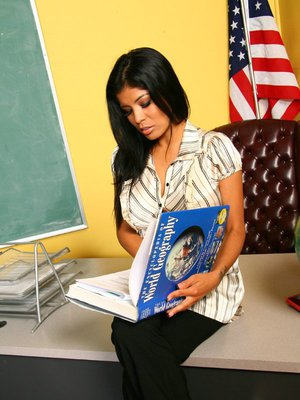 Alexis Amore Blowjobs 57