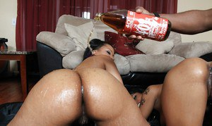 Ebony MILF babes Porche and Aryana have a hot orgy with a big dick