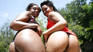 Ebony MILF babes Lana Violet and her friend demonstrating hot booties