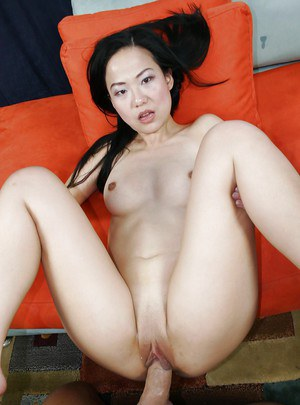 Asian babe Niya gets a cumshot in her mouth after fucking hardcore