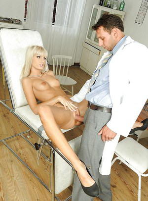 Gorgeous Erica Fontes comes to a gyno and gets banged hardcore