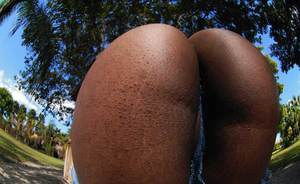 Black slut in jeans showing off her gorgeous oiled up booty
