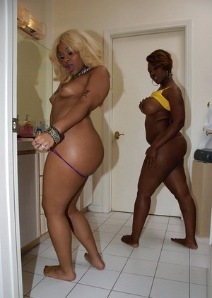 Ebony whores Kakey & Beauty Dior showing off big black butts