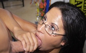 Naughty babe in glasses Serena Sinful takes money for riding a cock