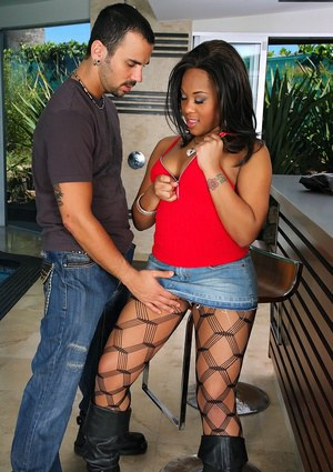 Busty black babe Candi Dreamz gets fucked in fencenet pantyhose