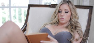 Smoking hot babe Samantha Saint picturing herself and posing in lingerie