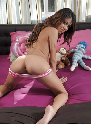 Skinny latina teen Veronica Rodriguez stripping and posing on the bed