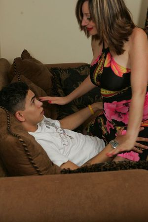 Mature babe Abigail Fraser performing lap dance for a younger guy