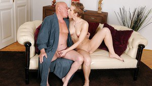 Teen hottie Chicky Clarissa gets her shaved pussy fucked by an oldman