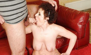 Horny mature lady with big tits gives a blowjob and gets fucked hardcore