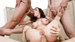 Hot MILF Veronica Avluv gets blowbanged and fucked by four horny guys