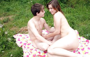 Sweet teen babe gives a blowjob and gets shagged hardcore outdoor