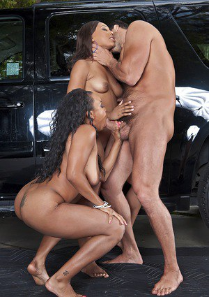 Leilani Leeane & Stacie Lane are into hardcore threesome with a white guy