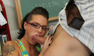 Steaming hot coed Christy Mack gets her pussy licked and nailed hardcore