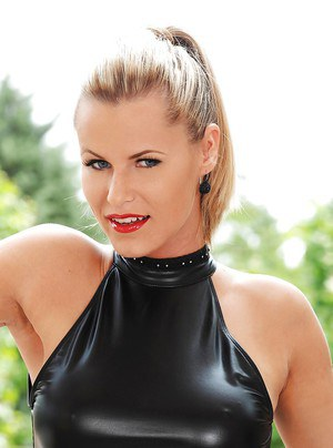 Lusty blonde on high heels Sandra Hill playing with a big vibrator