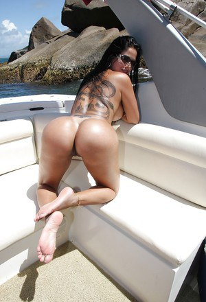 Bootylicious latina babe Gina Jolie showcasing her voluptuous curves outdoor