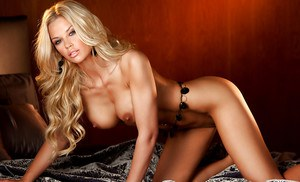 Big busted blonde babe Jessa Lynn Hinton slipping off her lingerie