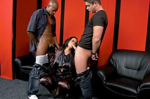 Voluptuous fetish MILF in glasses Emma Butt is into CFNM groupsex