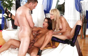 Hot gals Angel Rivas & Anita Hengher are into foursome groupsex
