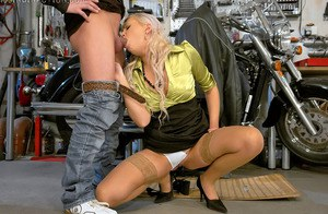 European lassie Eliss Fire has some kinky wet threesome with her friends