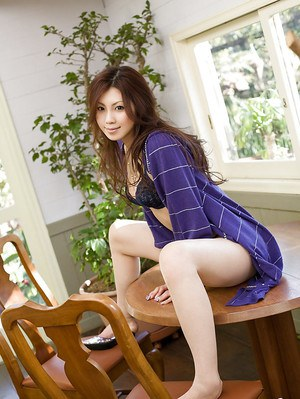 Adorable asian babe Shinohara Ryou taking off her shirt and lingerie
