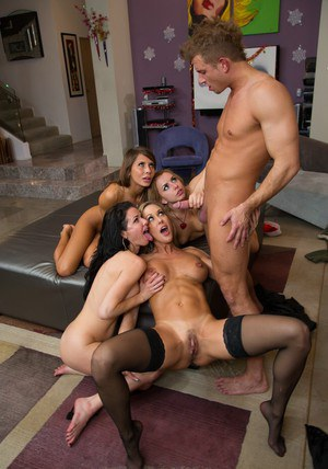 Four steaming hot sluts have a passionate groupsex with a lucky guy