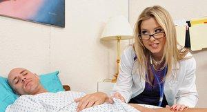 Foxy doctor in glasses Sunny Lane gets banged by her well-hung patient