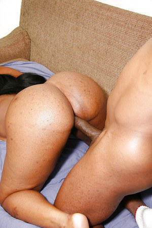Horny ebony lassie gives a slurpy blowjob and gets shafted hardcore