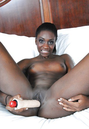 Smiley ebony amateur Jayla Dream stripping and toying her juicy cunt