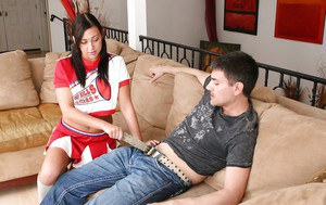 Slutty cheerleader Ivy Winters gets her shaved cunt pumped tough