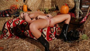 Teenage cowgirl Melissa Matthews gives a blowjob and gets shafted tough