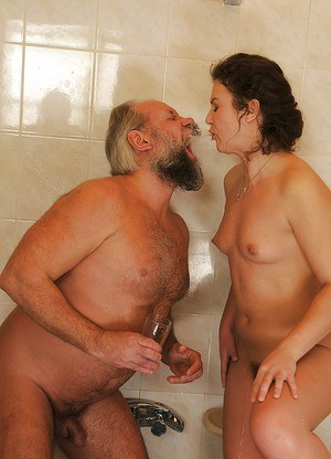 European slut gives some anal fingering pleasure to an oldman and gets nailed