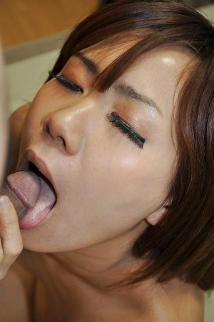 Asian hottie Nozomi Kahara gives head and enjoys sensual fucking