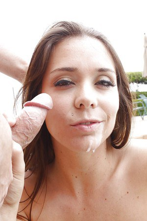 Beverly Hills gets mouth banged and fucks for a creamy cumshot outdoor