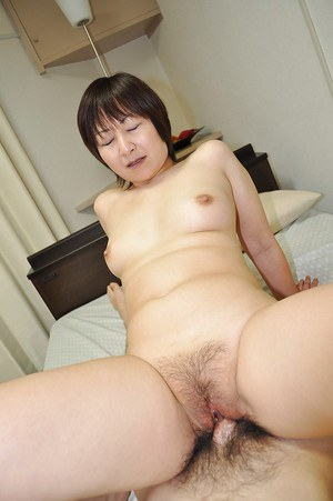Asian MILF Masae Shimatani gives head and gets her hairy cunt cocked up