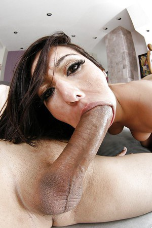 Bootylicious MILF has some face sitting and pussy drilling fun with a hung lad