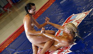 Fuckable girls have an oily catfight turning into sensual lesbian humping