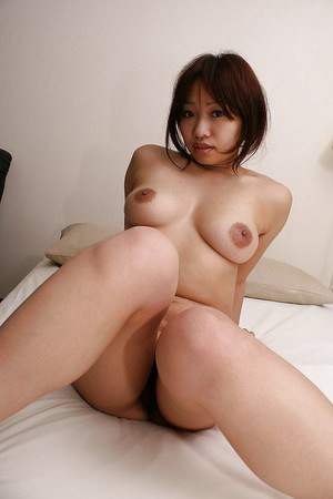 Shy asian MILF Rika Okabe has some pussy licking fun after shower