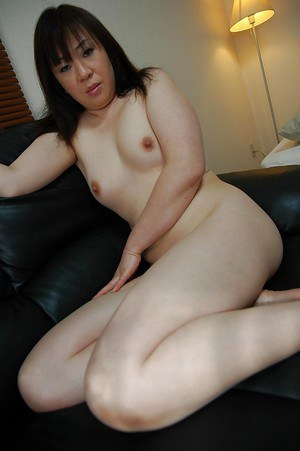 Chubby asian MILF Junko Takeyama posing nude and spreading her lower lips