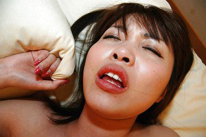 Asian teen Kei Ikegiri gets her hairy cunt shagged and creampied