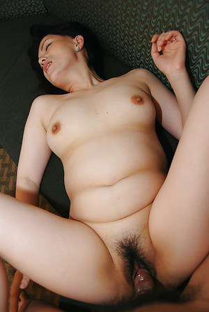 image Asian milf gets a hardcore banging by her hor