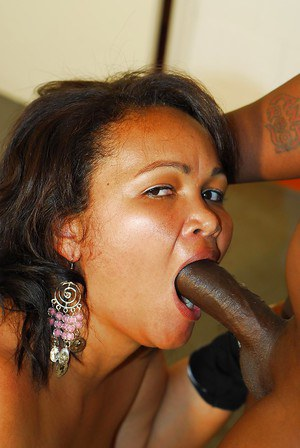 Bootylicious ebony plumper gives head and gets shagged hardcore