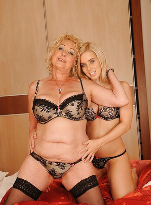 Images of Filthy Granny Sex - Amateur Adult Gallery